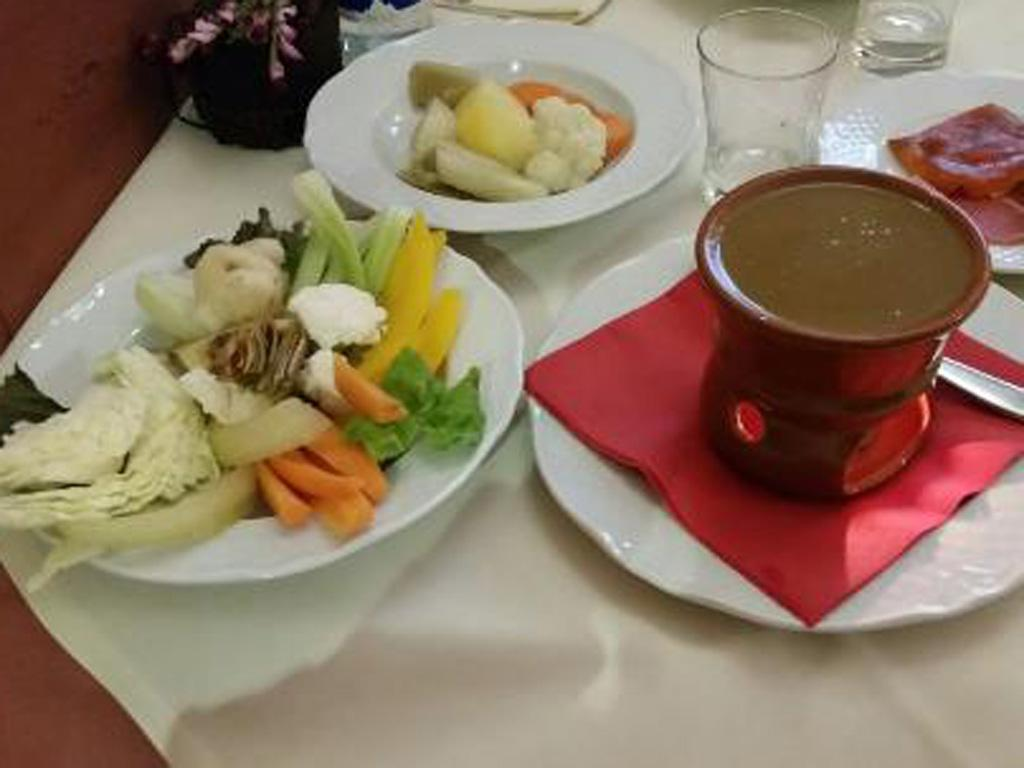 bagna cauda with vegetables