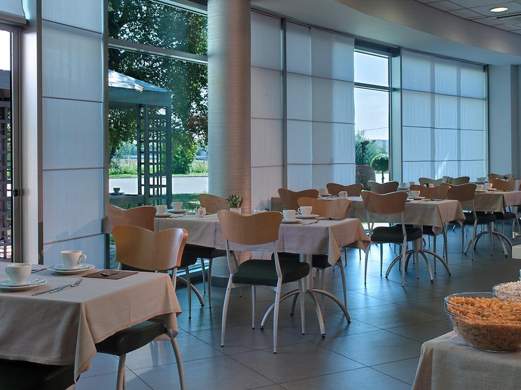 Buffet breakfast - BW Hotel Langhe Cherasco